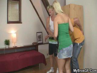 Smart Person Invades His Bro's Girlfriend