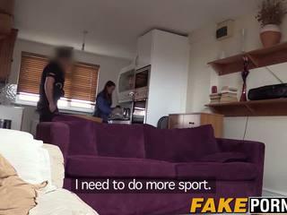 Olga membuat polis feels di rumah inviting beliau zakar/batang ke dalam beliau