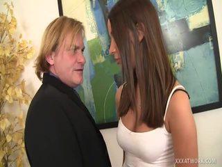 Brunette SecretAry Engulfing For A Promotion