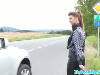 Hitchhiking eurobabe facefucked 옥외