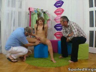 Spoiled virgins: รัสเชีย หญิง has เธอ หนุ่ม virgin หี checked.
