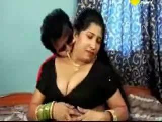India tamil diwasa aunty kurang ajar with her boyfriend