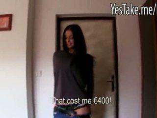 Gjoksmadhe amatore gjatë haired çeke vajzë vikky pumped për para