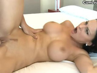 Cycate brunetka abbie cat swallowing nasienie