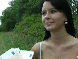 Bystiga tjeckiska flicka mia paid för offentlig kön
