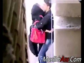 Hijab ulkona seksi 2