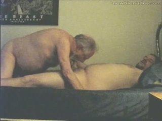 Gjyshi has argëtim me grandson