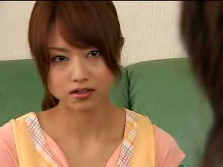 Азіатська підліток akiho yoshizawa