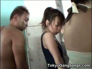 Aasialaiset sisään suihku kanssa perverts!