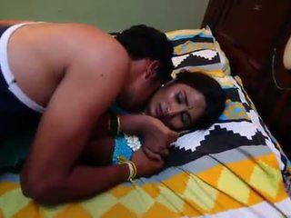 Indiškas namų šeimininkė romantika su newly vedę bachelor - midnight masala filmai -