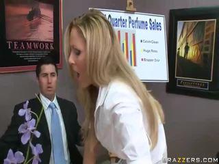 Vidios de hardcore femeie obține inpulit de mare cocks futand femeie