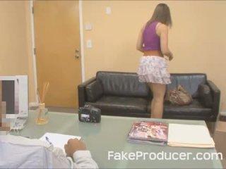 Mia golds i parë porno ndonjëherë me the fakeproducer