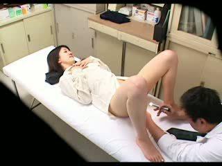 Sledovanie perverzné doktor uses naivka pacient 02