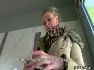 Liels bumbulīši eurobabe adele fucked par nauda