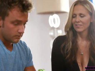 Крок мама teaches підлітковий вік як для мати a трійця - порно відео 861