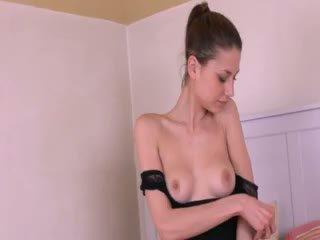 Gyno lodra në të saj e thellë vaginë hole