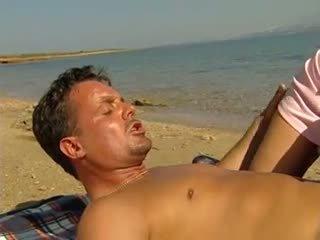 Anale e fisting su spiaggia