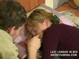 Śpiące gf gets banged