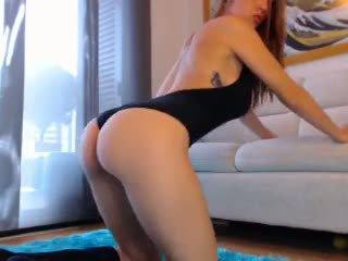 Seksikäs punapää verkkokameran tyttö kanssa iso koekäytössä 3: vapaa porno cb