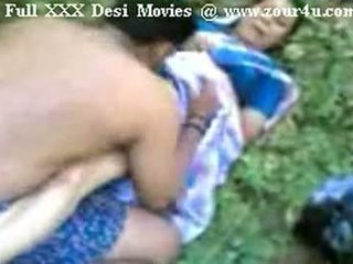 India mallu aunty hubungan intim di luar di picnic